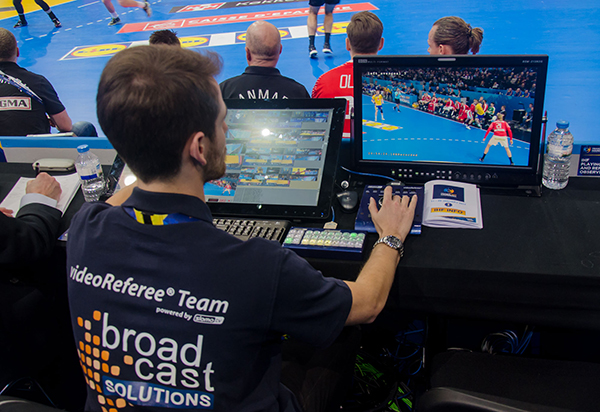 videoReferee at IHF World Championships07.jpg