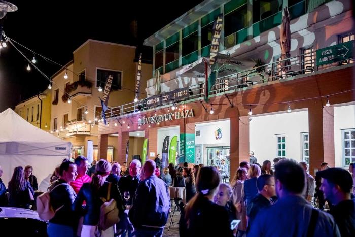 Cinefest 700.jpg